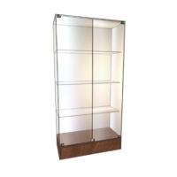Витрины стеклянные для магазина с низким подиумом