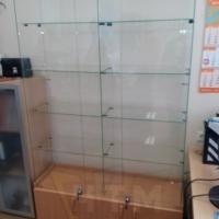 Витрины стеклянные Челябинск из сверленного стекла 5, 6 и 8мм