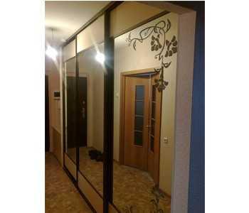 Шкафы-купе Versal с зеркальными дверями