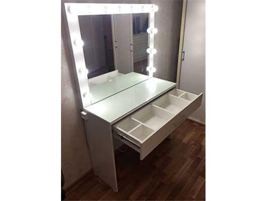 Гримерный стол зеркало ящик с перегородками