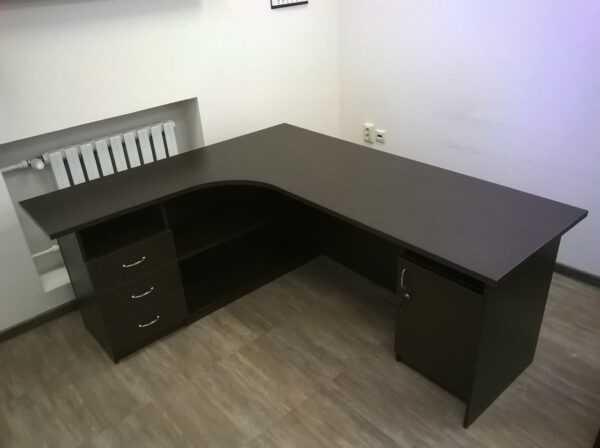 Стол для офиса угловой