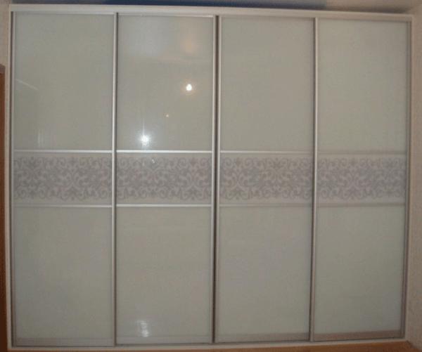 Шкаф купе встроенный от производителя матовое стекло