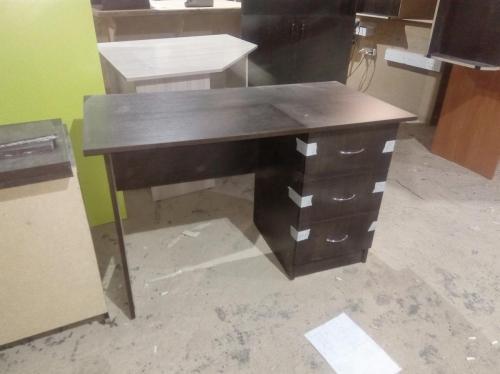 стол офисный венге темное с ящиками